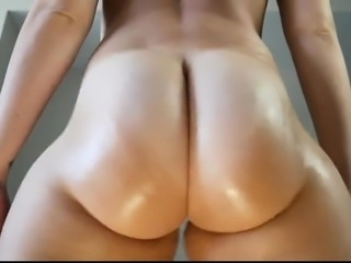 Hot Blonde Chick Get Naked and Masturbate on Cam