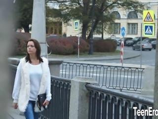 Horny teen babe come to meet her boyfriend