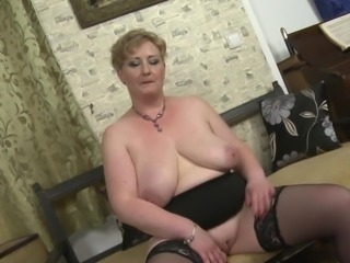 If you like all natural older women, this hefty mature lady is the one for...