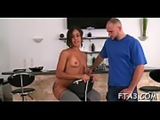 Doxy grants full access to her vagina