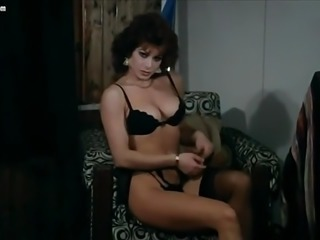 Carmen Russo striptease and nude scenes