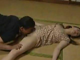 Girl baits predator   Asian porn