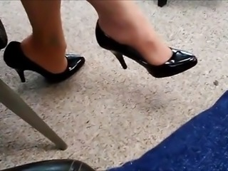 candid women dangling she see cam and give more feet