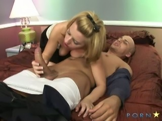 Perfect sucking head Lexi Belle gives deepthroat blowjob