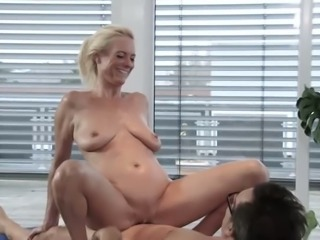 Emotional cougar with huge boobs Lana Vegas deserves hard missionary