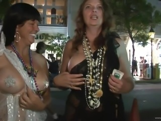 Randy chicks at mardi gras party flashing ass and tits