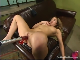 Isabella Soprano gets a great orgasm while playing with a sex machine