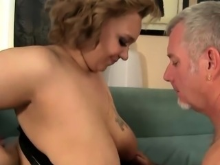 Chubby Babe Takes a Cock in Her Puckered Asshole
