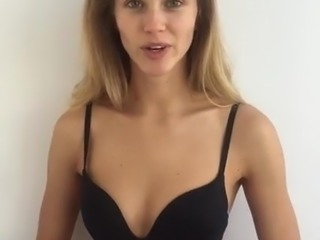 Casting - Intro and catwalk - Beautiful young blonde girl