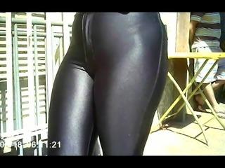 gostosa com legging brilhosa (big ass,pussy ligging) 163