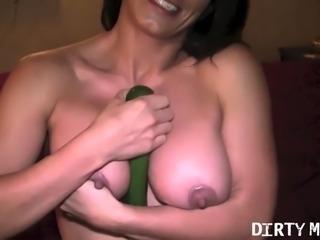 Female Muscle Porn Star Fucks a Zucchini