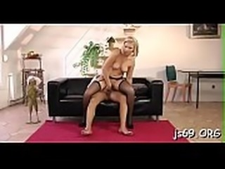 Beauty gives excellent blowjob then takes it up her muff