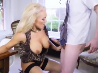 Czech taxi milf Having Her Way With A Rookie