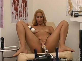 Doctor visit has her pussy taking dildo machine