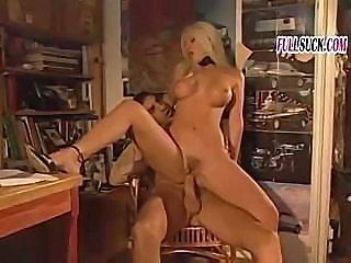 Gelida Manina is a hot Italian babe ready to do some fucking